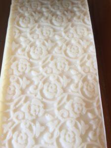シルク、セシリン配合の手作り石鹸